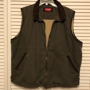 Wrangler Hero Olive Sherpa line Vest size XL